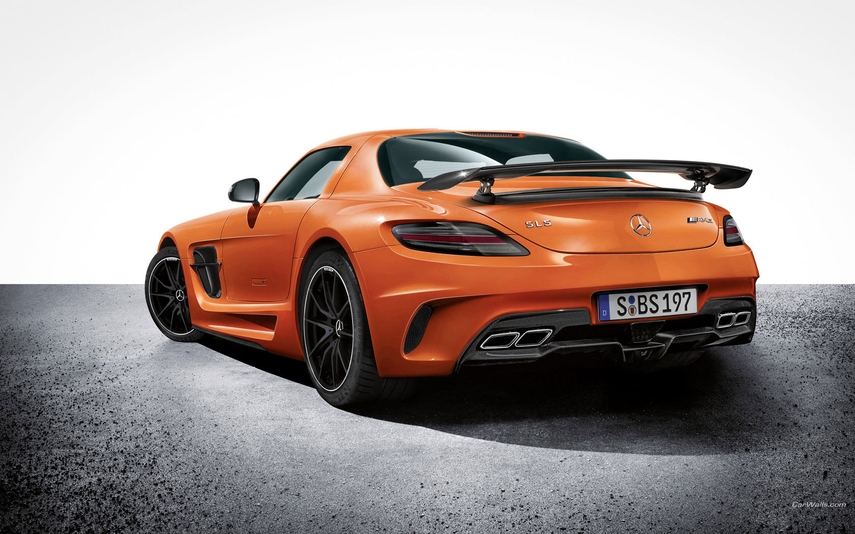 Unveiled mercedes benz sls amg black series for Mercedes benz orange